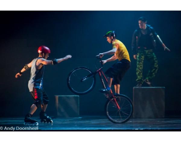 Cirque_Eloize_foto_Andy_Doornhein-7577