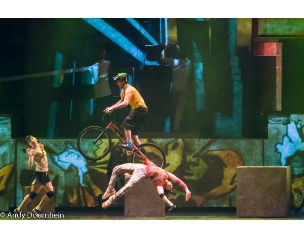 Cirque_Eloize_foto_Andy_Doornhein-7621