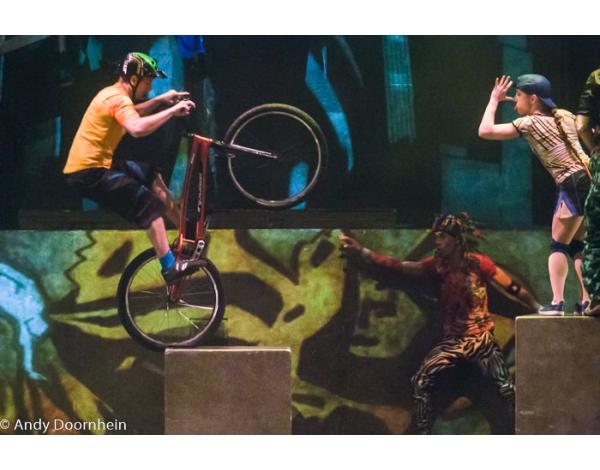 Cirque_Eloize_foto_Andy_Doornhein-7643
