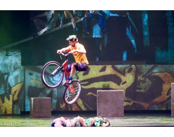 Cirque_Eloize_foto_Andy_Doornhein-7684