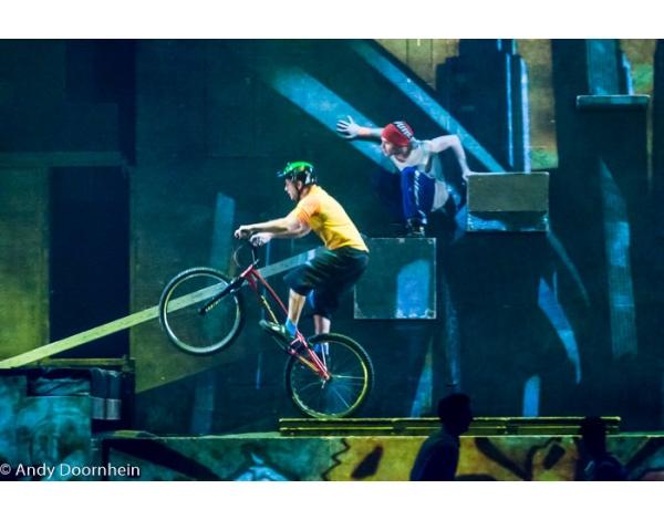 Cirque_Eloize_foto_Andy_Doornhein-7746