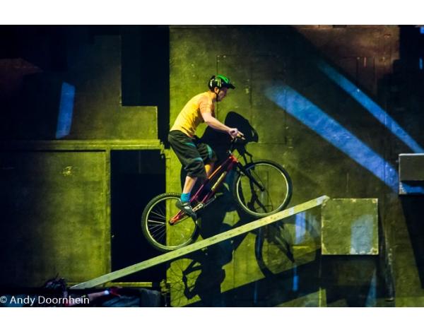 Cirque_Eloize_foto_Andy_Doornhein-7751