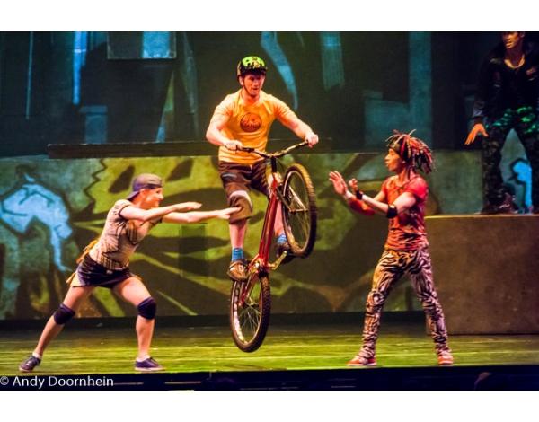 Cirque_Eloize_foto_Andy_Doornhein-7802