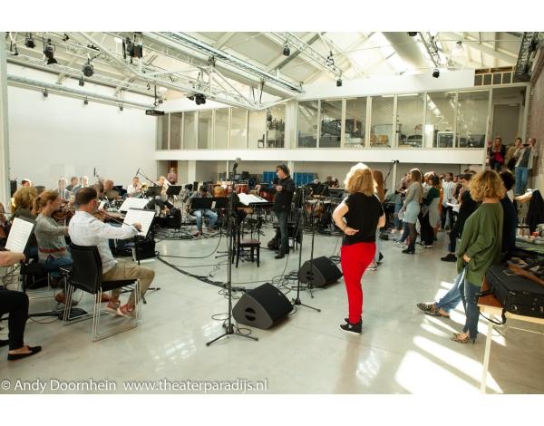 Musical-sinn-a-long-uitmarkt-2018-repetities_foto-Andy-Doornhein-1020