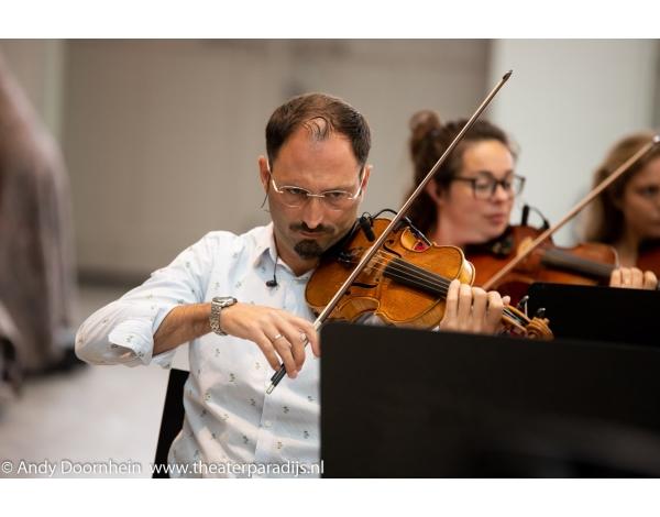 Musical-sinn-a-long-uitmarkt-2018-repetities_foto-Andy-Doornhein-1044