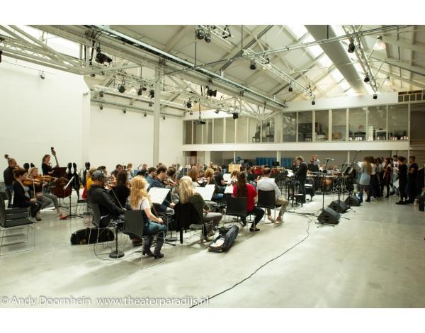 Musical-sinn-a-long-uitmarkt-2018-repetities_foto-Andy-Doornhein-1080