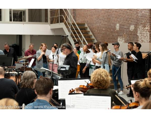 Musical-sinn-a-long-uitmarkt-2018-repetities_foto-Andy-Doornhein-1082