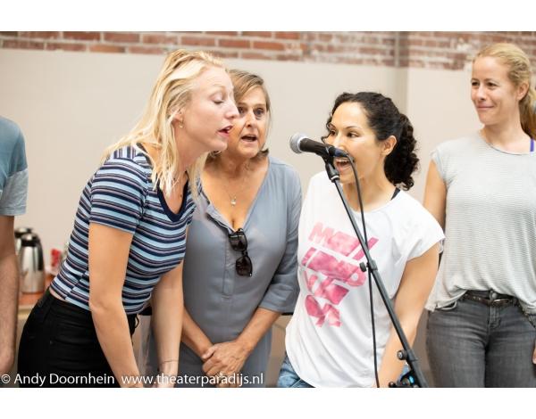 Musical-sinn-a-long-uitmarkt-2018-repetities_foto-Andy-Doornhein-1084