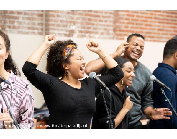 Musical-sinn-a-long-uitmarkt-2018-repetities_foto-Andy-Doornhein-1199