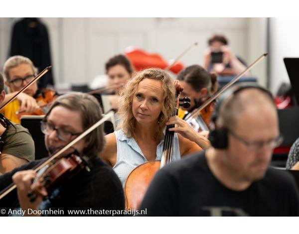 Musical-sinn-a-long-uitmarkt-2018-repetities_foto-Andy-Doornhein-1205