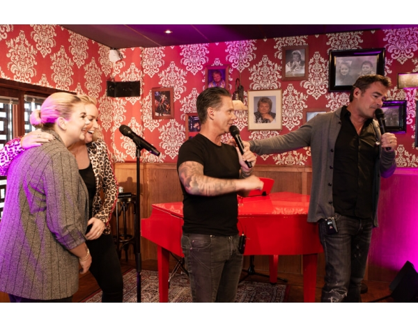 Holland_Zingt_Hazes_Cafe-theaterparadijs-Walter-Blokker-5515