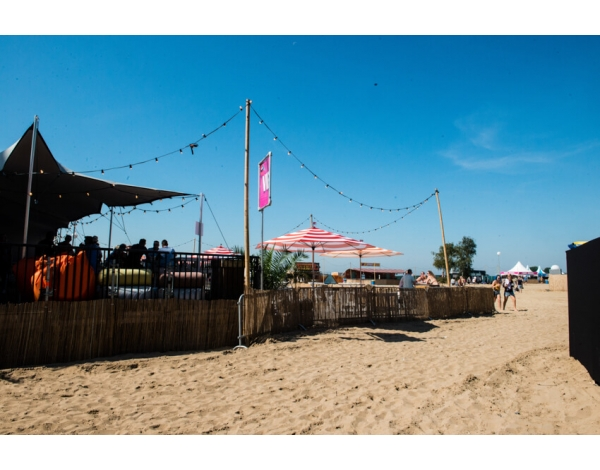 Strandfestival_Zand_Almere_22-08-2019k_Gwendolyne-2763